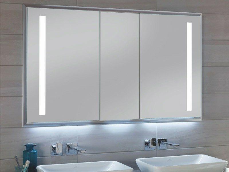 Spiegelschrank mit integrierter Beleuchtung Badezimmer