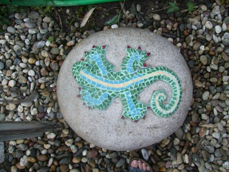 Steindeko aus Mosaik Eidechse