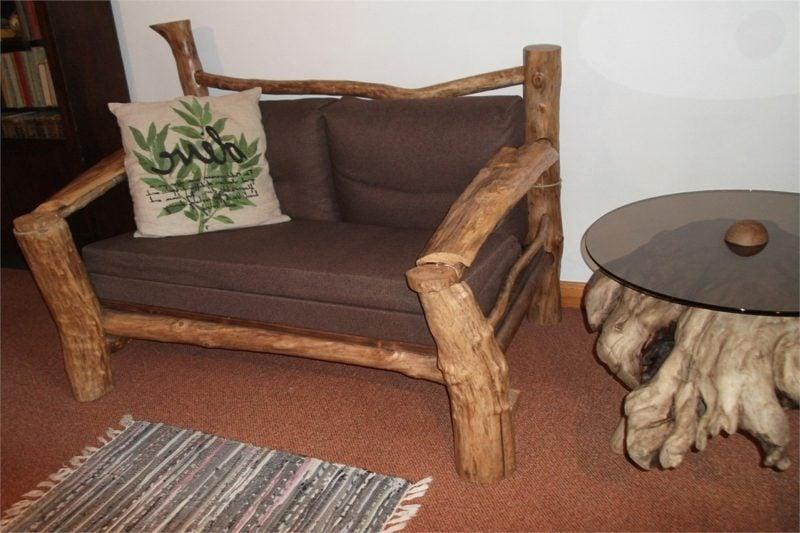 bequeme Couch aus Treibholz