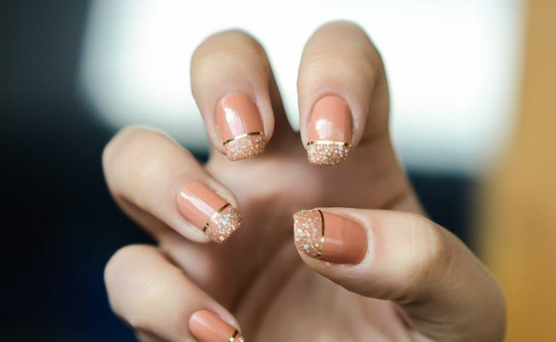 Fingernägel Design kreative DIY Ideen Zierstreifen