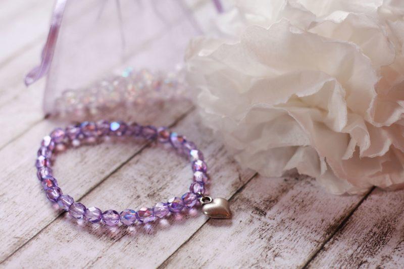 armbänder knüpfen lila