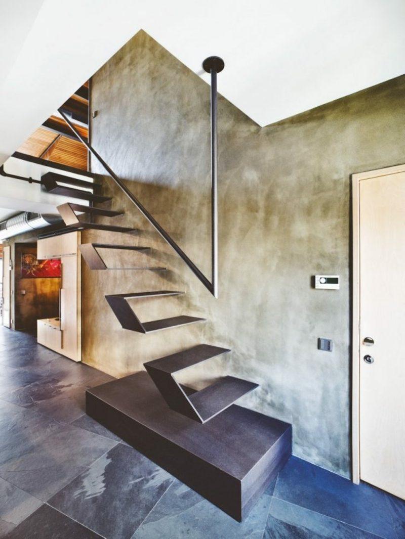 ausgefallene freitragende Treppe