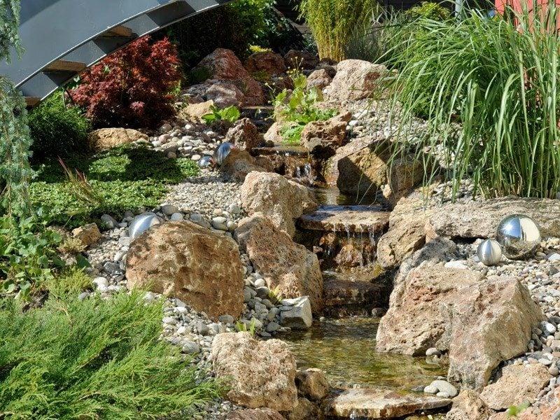 Bachlauf Anlegen Nutzliche Tipps Und Lebendige Vorschlage Garten