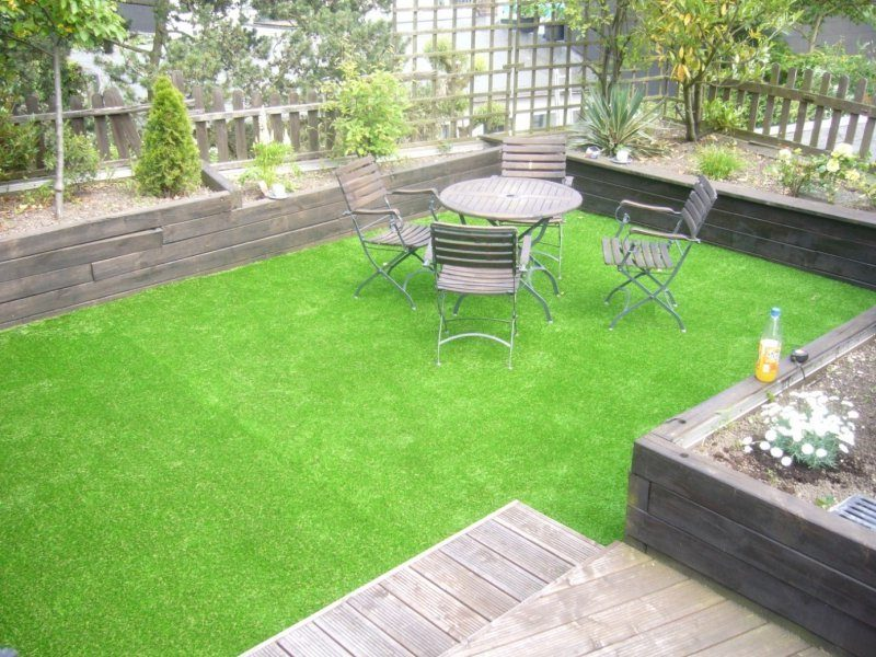 24 beispiele f r sch nen balkonboden balkon terrassen. Black Bedroom Furniture Sets. Home Design Ideas