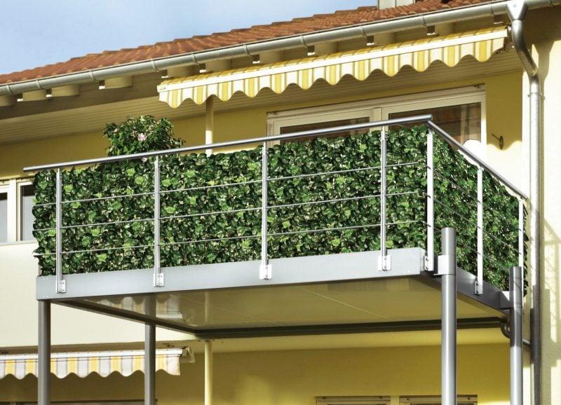 Balkonumrandung Gras