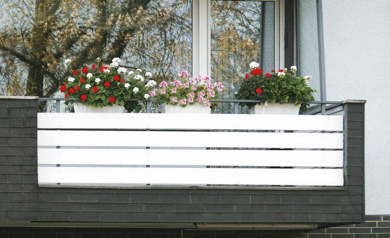 balkonverkleidung weiß