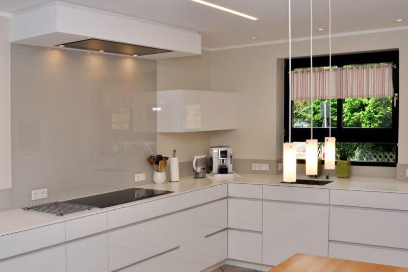 corian arbeitsplatte 18 stilvolle beispiele mit. Black Bedroom Furniture Sets. Home Design Ideas