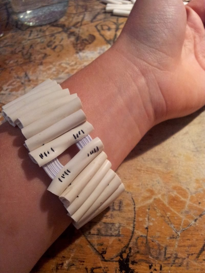 DIY Armband Hand
