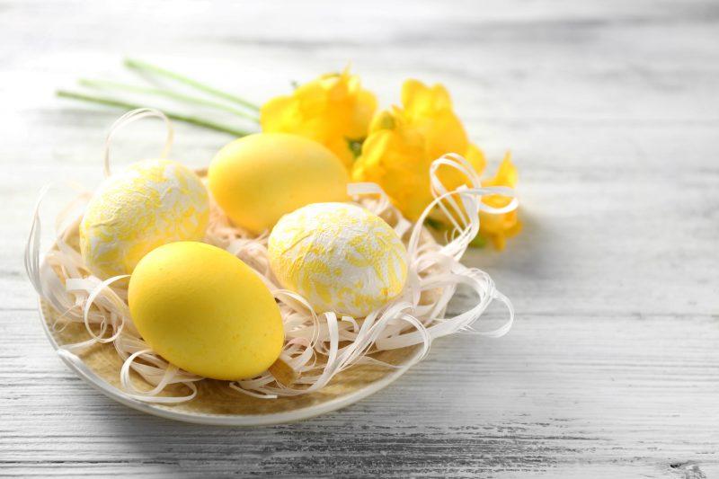 eier färben gelb