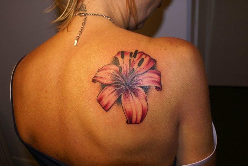 originelle Tattoos Lilien Tattoo