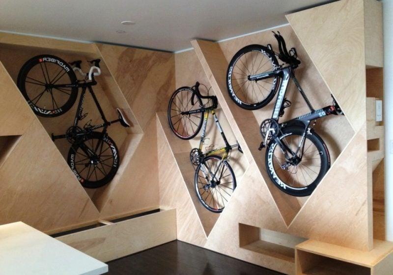 Fahrradhalterung für Wand integriert