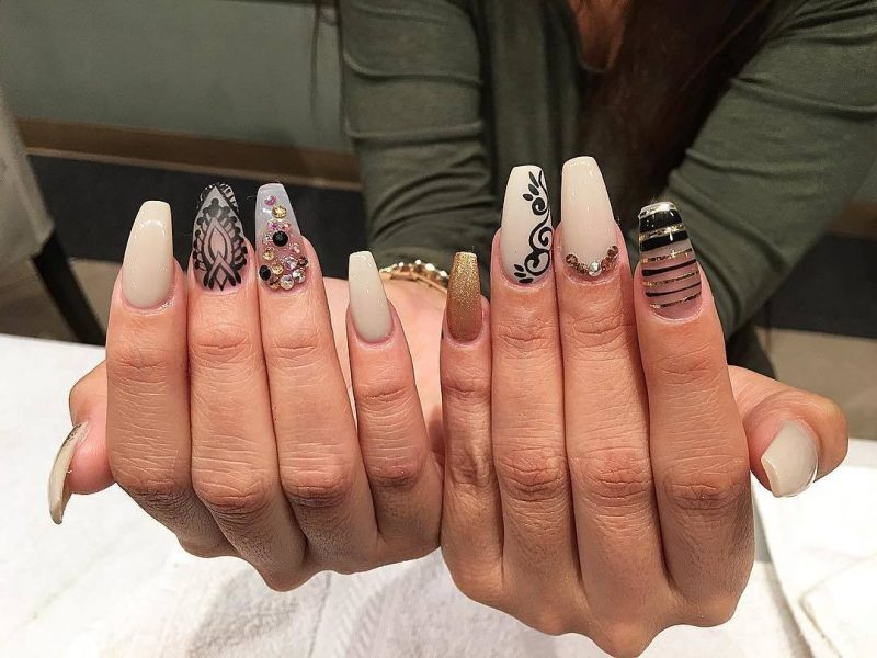 Fingernagel Design Beige