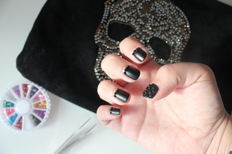Fingernagel Design Schwarz Matt