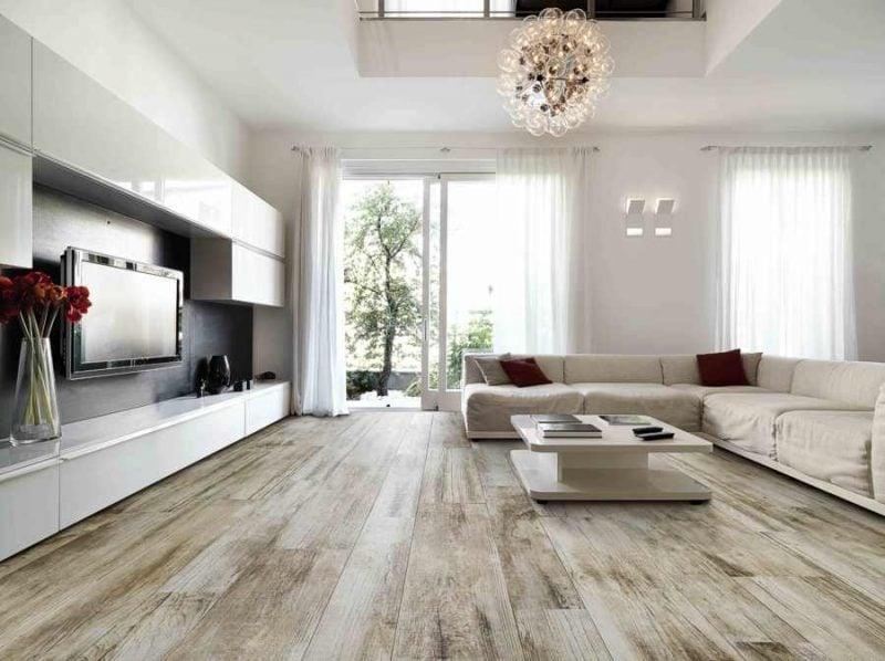 Fliesen im Wohnzimmer Holzoptik