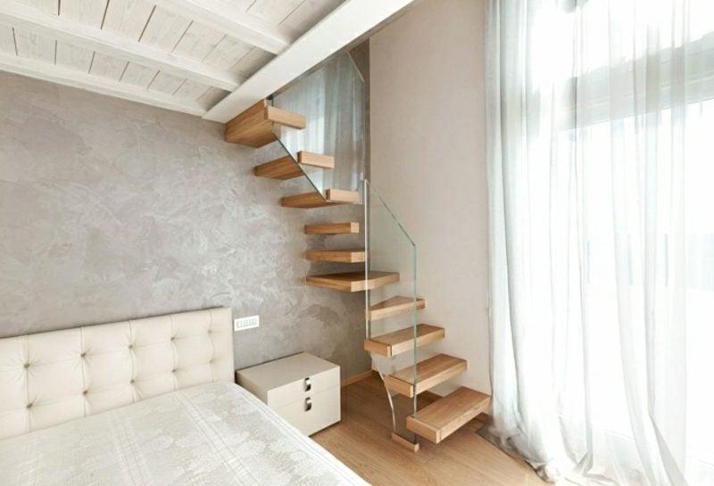 originelle freitragende Treppe Schlafzimmer