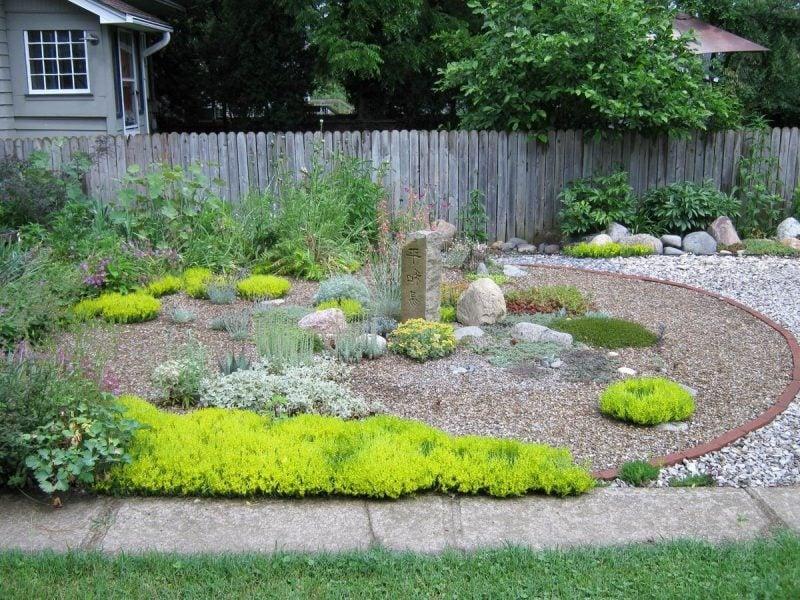 Gartengestaltung mit kies blickfang und kaum pflege - Gartengestaltung mit kieselsteinen ...
