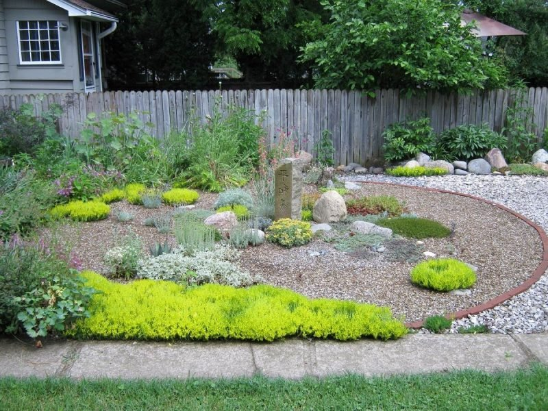 Gartengestaltung mit kies blickfang und kaum pflege garten zenideen - Garten neu gestalten ideen ...