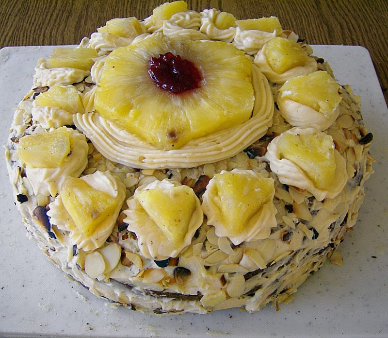geburtstagstorten ananas