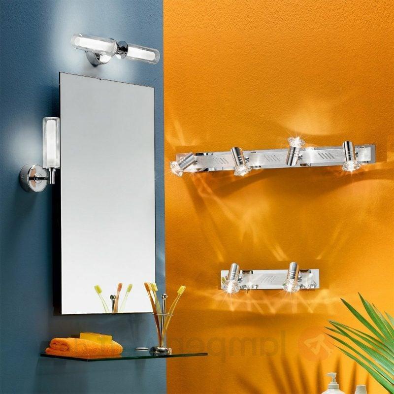 Spiegelbeleuchtung mit Wandlampe