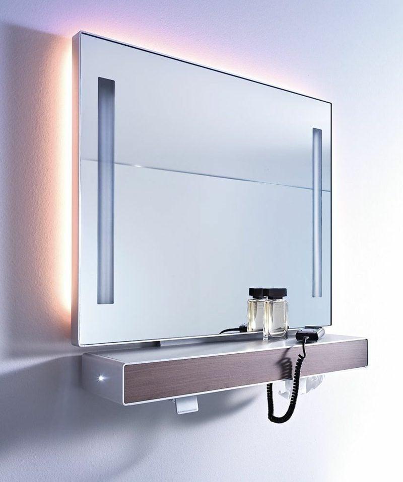 integrierte Beleuchtung Badezimmerspiegel