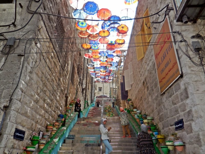 hauptstadt-von-jordanienrainbow-street-amman-jordan-azzara-1