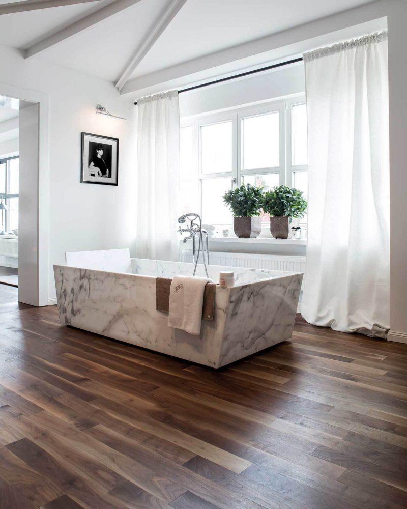 Holzfußboden im Bad richtige Pflegen für stilvolles