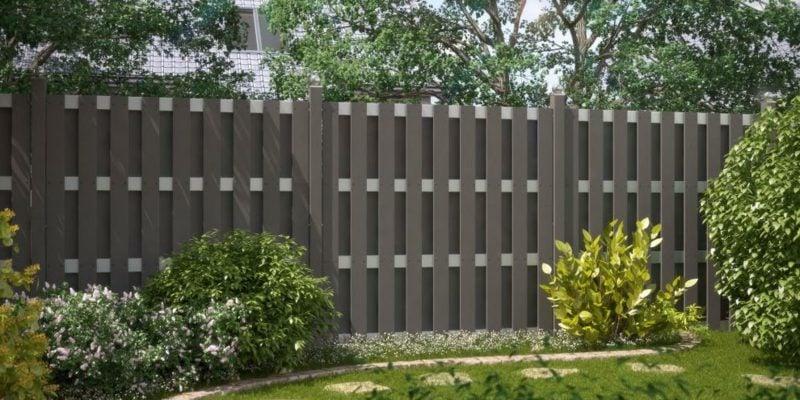 Gartenzaun aus WPC Sichtschutz im Aussenbereich