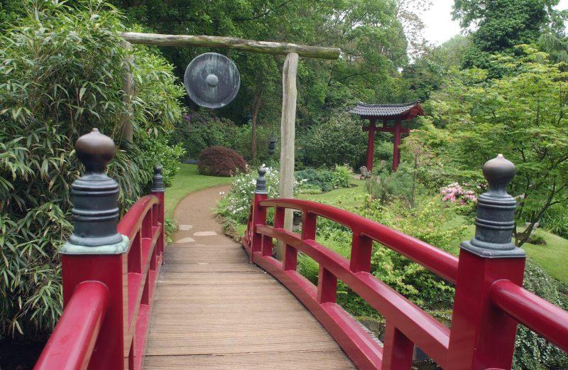 Japanische Gärten mit Holz
