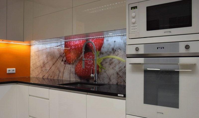 küche glasrückwand stilvoll