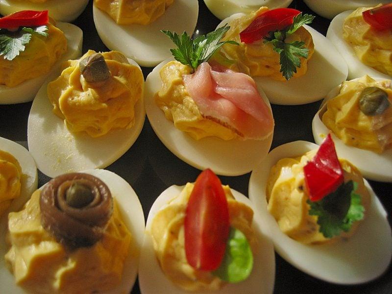Kalte Platten gefuellte Eier