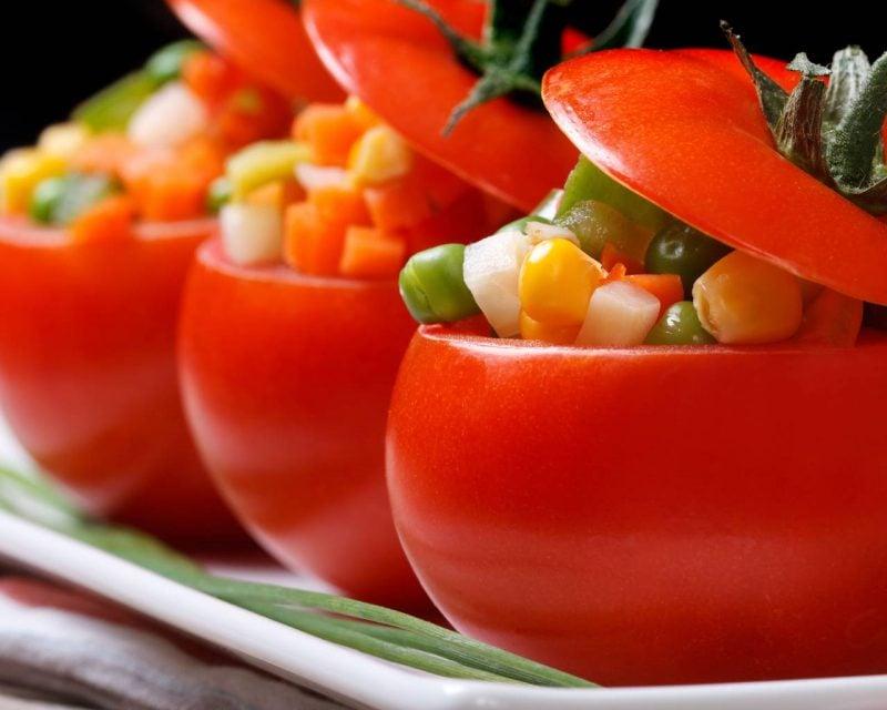 Kalte Platten gefullte Tomaten