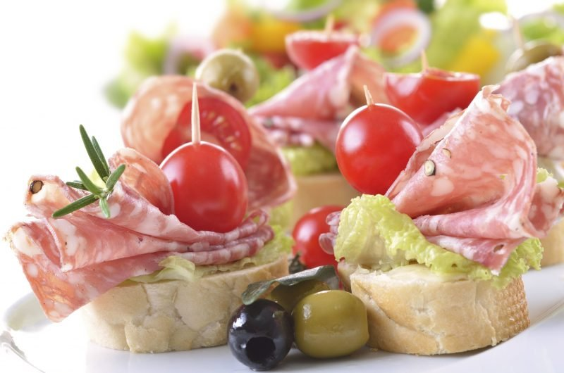 Kalte Platten Salami Canape