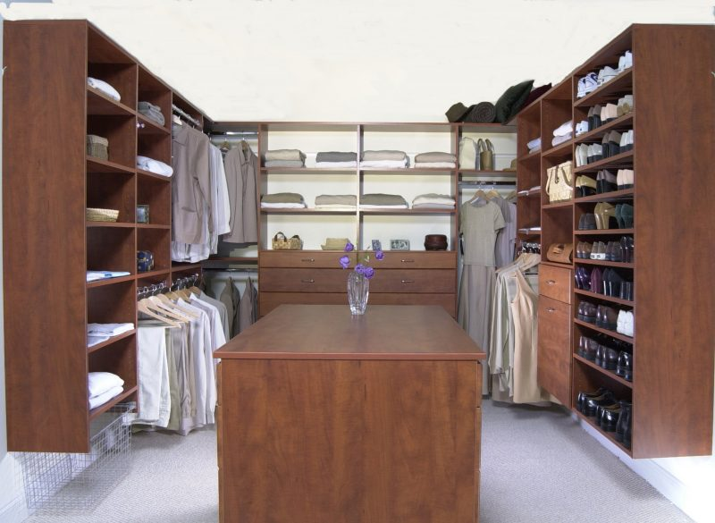 Kleiderschranksysteme Holz