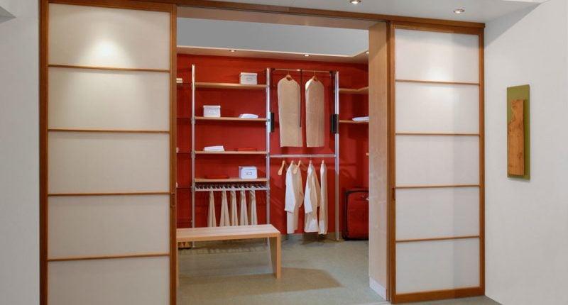 Kleiderschranksysteme mit Glasturen