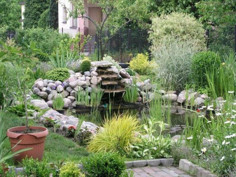 Bachlauf selber bauen anleitung und praktische tipps for Steine fur gartenteich