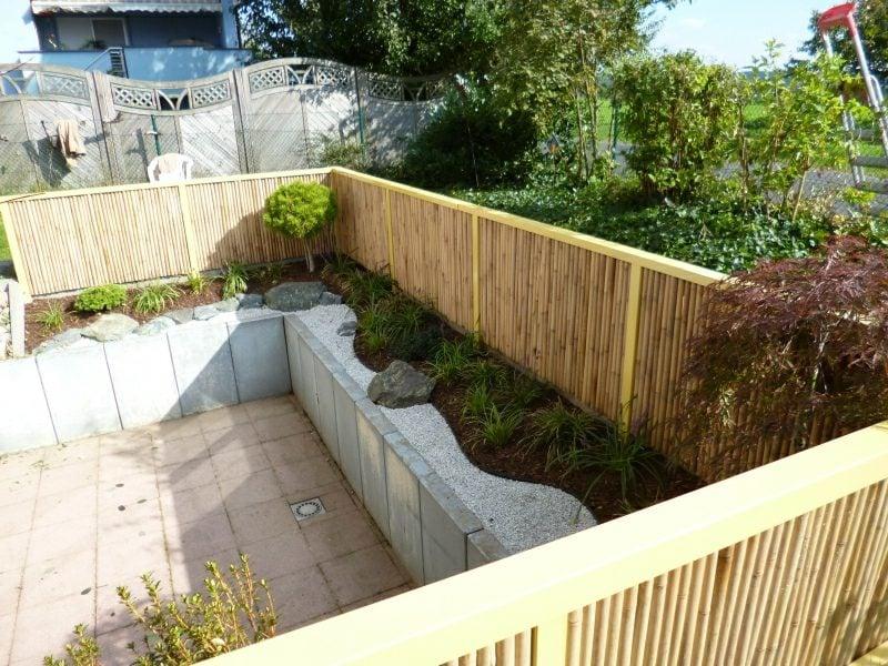Bambuszaun als Sichtschutz im Garten