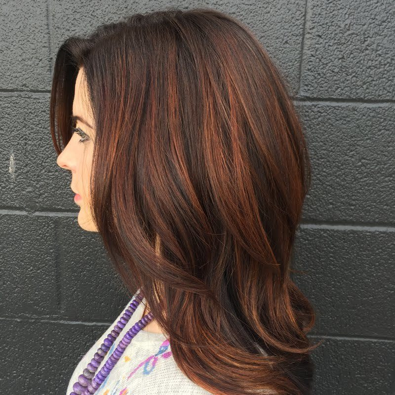 Kupferbraun Haarfarbe Dunkelfarbig