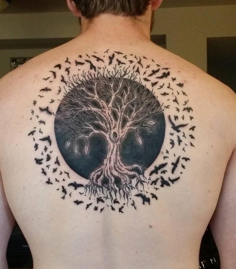 Lebensbaum Tattoo mit Vögeln