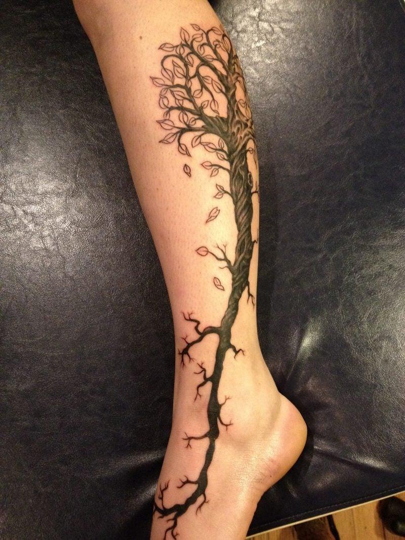 Lebensbaum Tattoo Bein