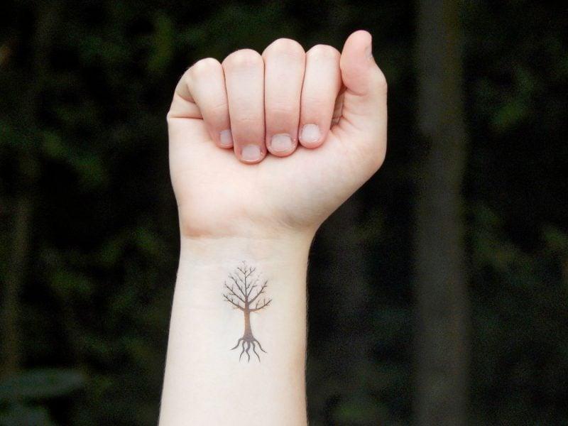 Lebensbaum Tattoo klein
