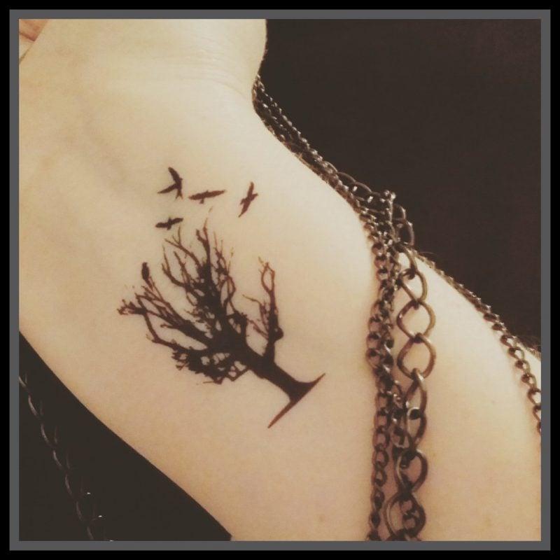 Lebensbaum Tattoo Frauen klein