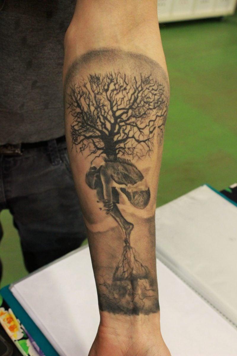 Lebensbaum Tattoo Männer Hand