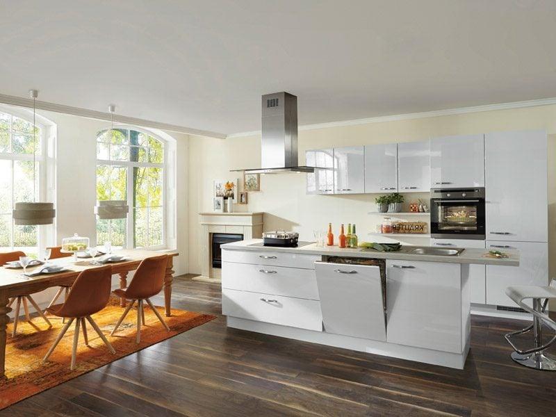 Küche mit Kücheninsel modernes Design