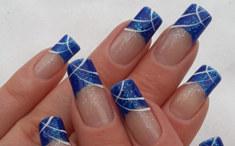 Nageldesign French Blau