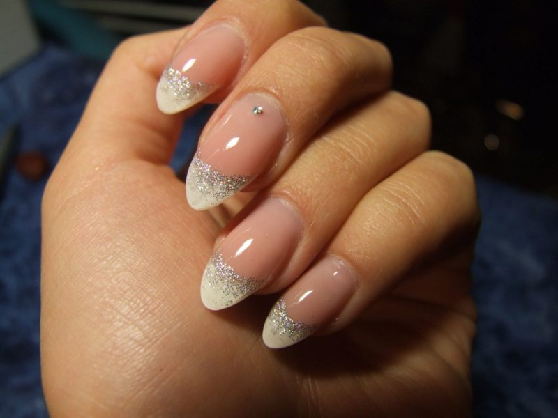 Nageldesign French Glitter