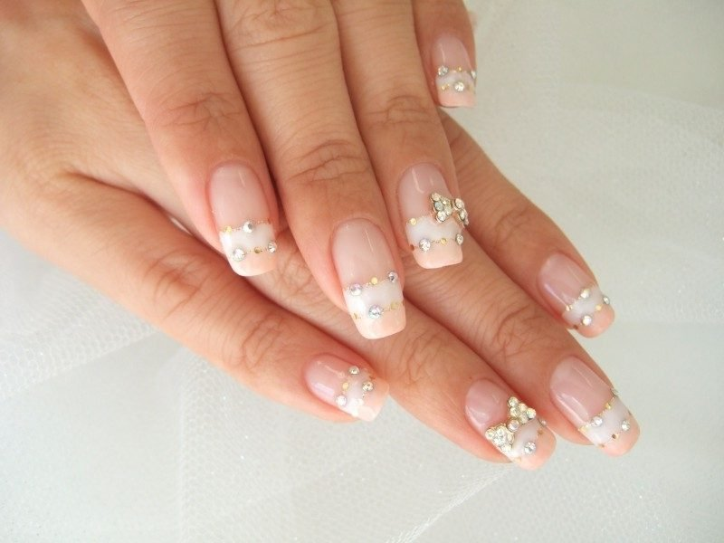 Nageldesign French Kristalle