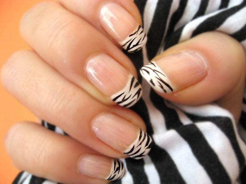 Nageldesign French Zebra