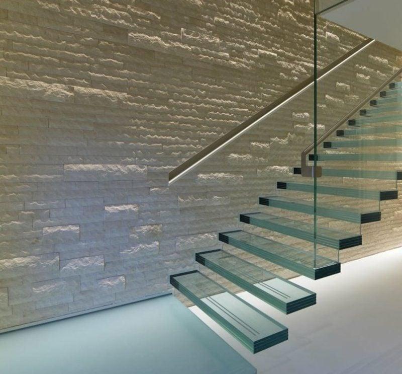 schwebende Treppe Glasstufen