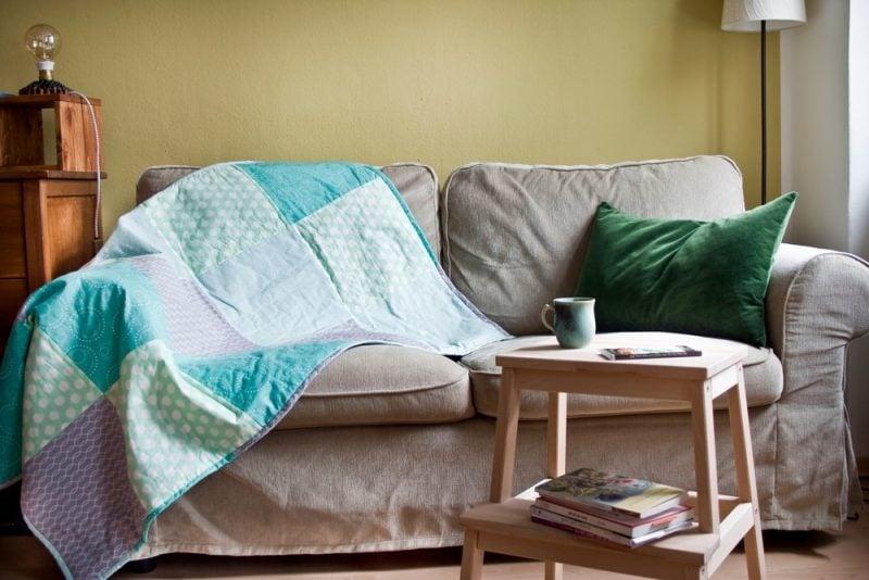 Patchworkdecke nähen Sofa