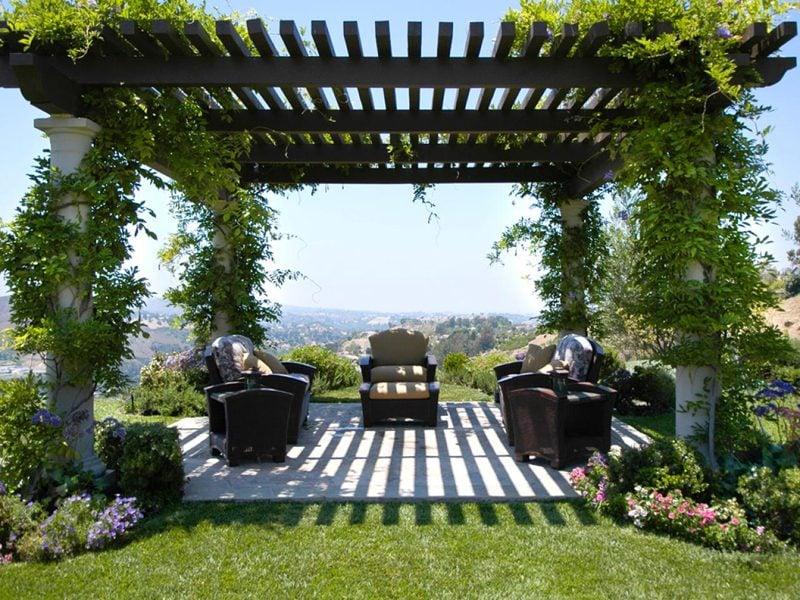33 Wunderschöne Pergolen Verwandeln Ihren Garten In Eien ... Holz Pergola Vorhangen Ideen Garten